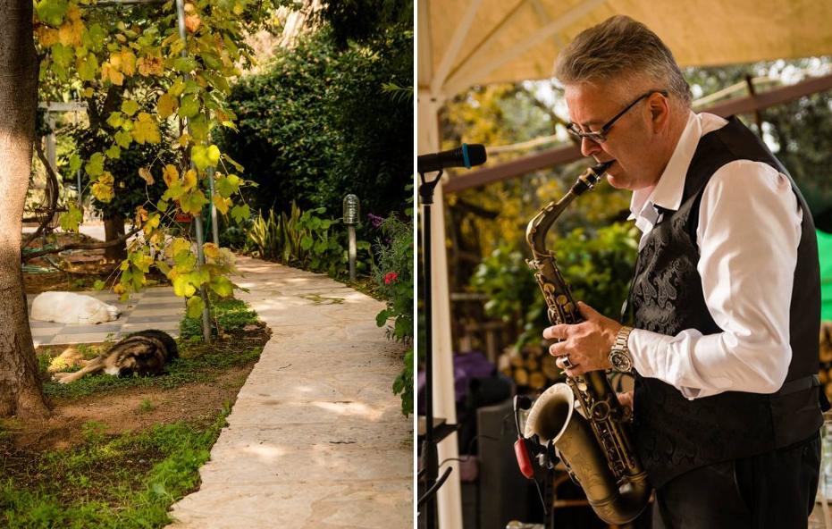 саксофонист на приеме гостей